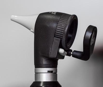 otoscope-1461840_640